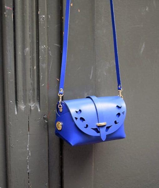 Δερμάτινο βαρελάκι με διάτρητο σχέδιο Passepartout Μπλε4