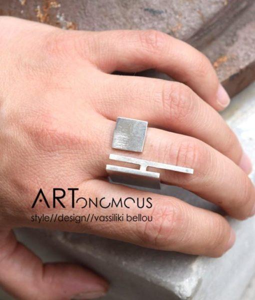 statement ring Potnia artonomous