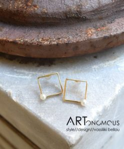 square pearl earrings Dedonaki artonomous