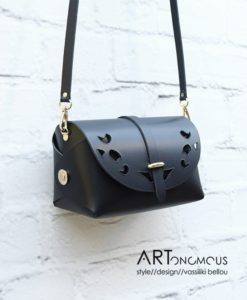 black leather bag passpartout artonomous