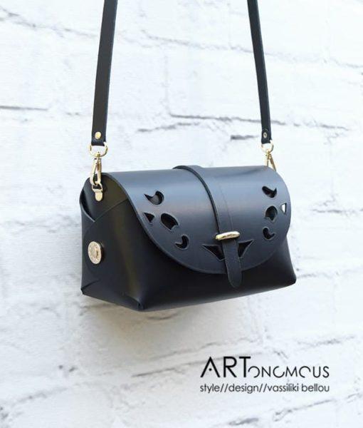 black leather bag passpartout artonomous