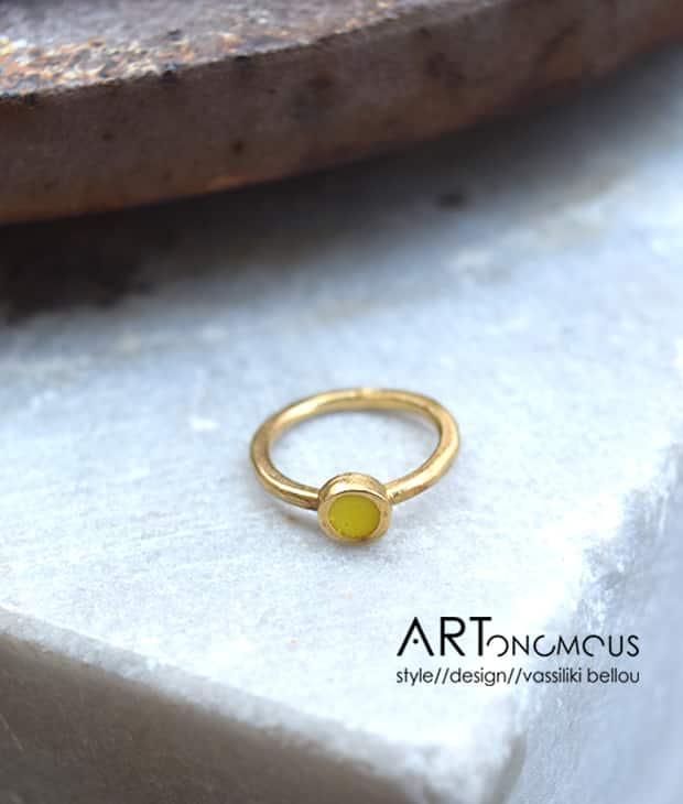 Δαχτυλίδι chevalier με κίτρινο σμάλτο - ARTonomous    Style    Design d68291a172d
