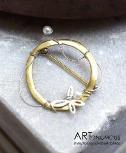 handmade brooch artonomous