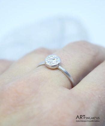 Δαχτυλίδι Ασημένιο Minimal με Κυκλάκι
