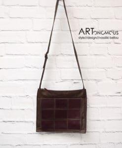 Δερμάτινη καφέ τσάντα με γεωμετρικά σχήματα 002206a