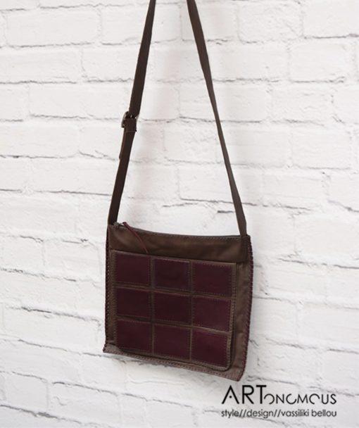 Δερμάτινη καφέ τσάντα με γεωμετρικά σχήματα 002206a (3)