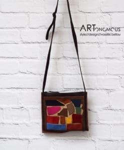 Πολύχρωμη δερμάτινη τσάντα με γεωμετρικά σχήματα 002207a