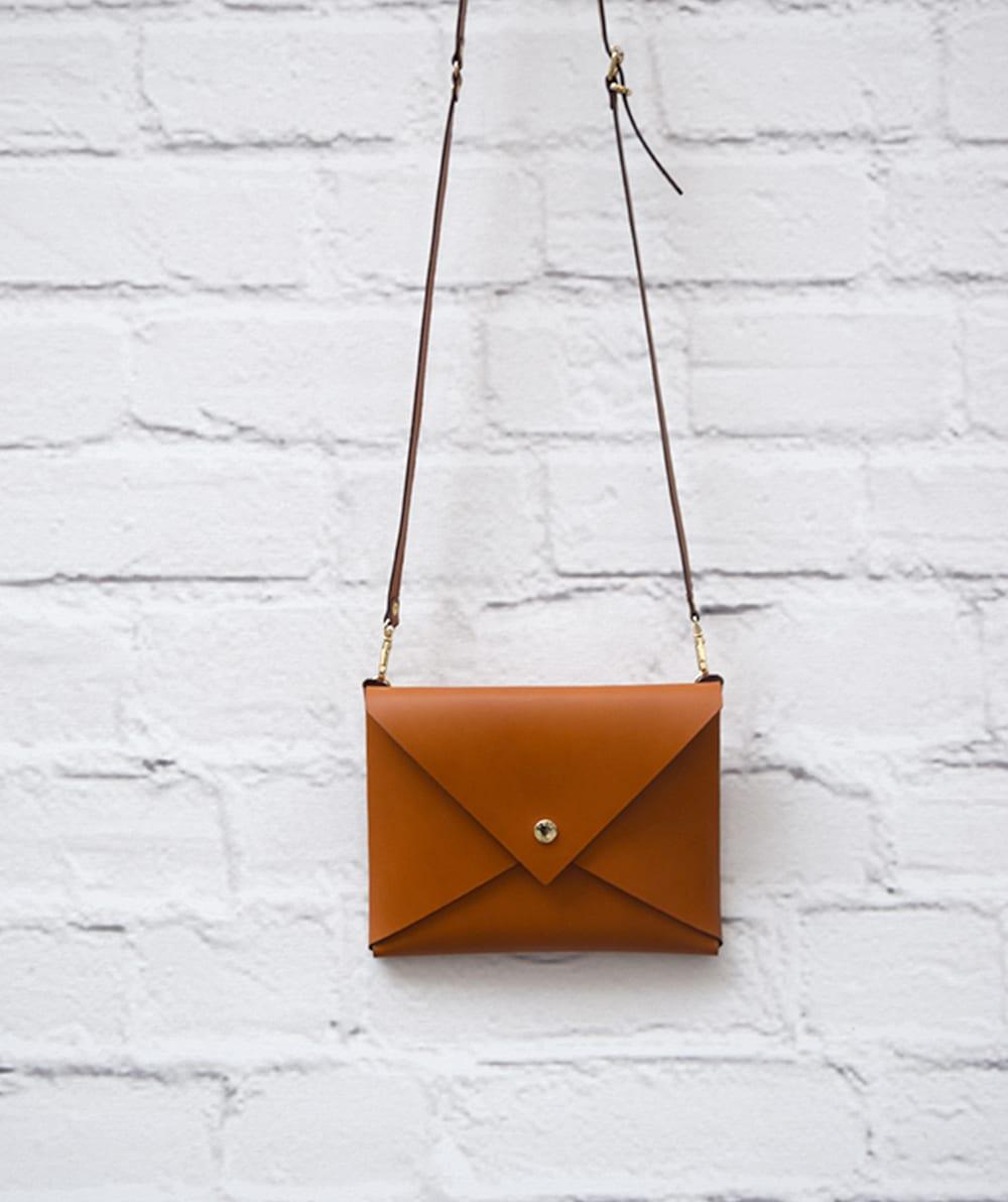 ccba8744db Δερμάτινη τσάντα φάκελος - Ταμπά - ARTonomous    Style    Design