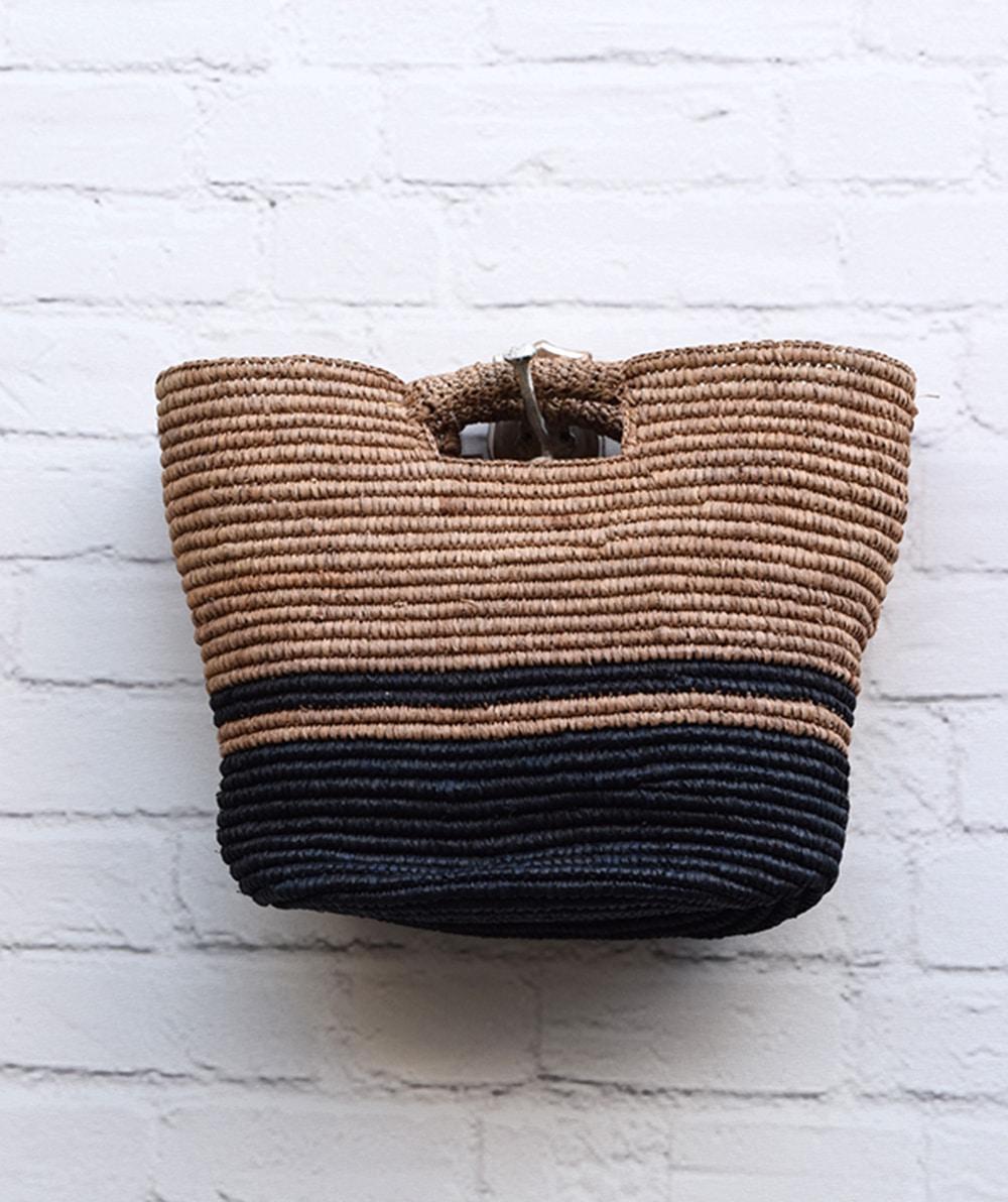 6e277b6674 Τσάντα ψάθινο καλάθι - Μαύρο Μπεζ - ARTonomous    Style    Design