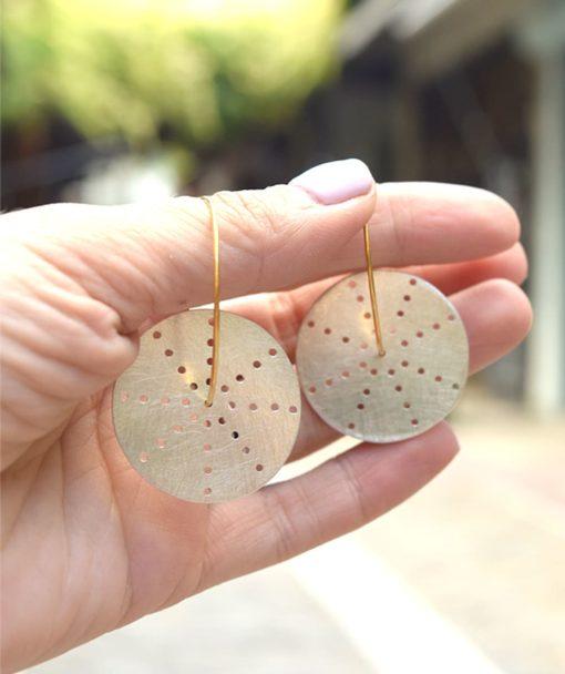 Ασημένια επίχρυσα σκουλαρίκια με διάτρητους δίσκους 002532a (3)
