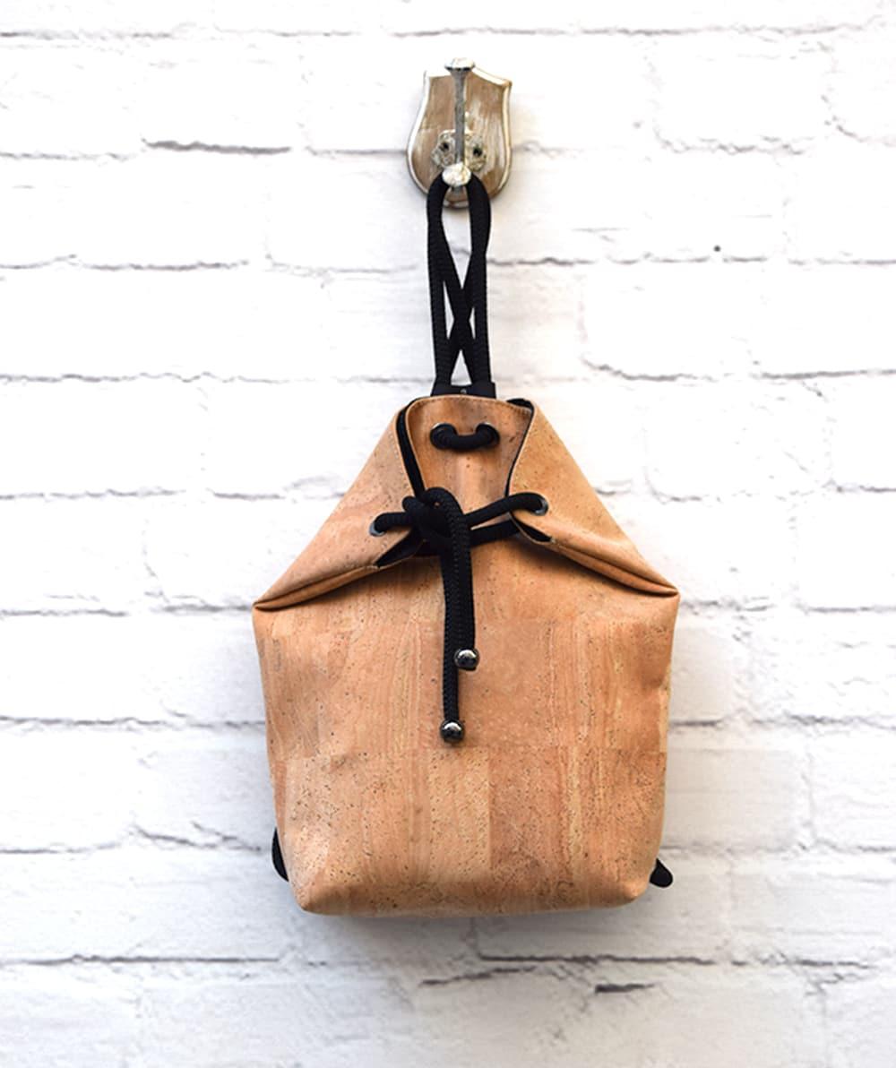 Σακίδιο πλάτης   τσάντα ώμου από φελλό - ARTonomous    Style    Design 9c50987a7fe
