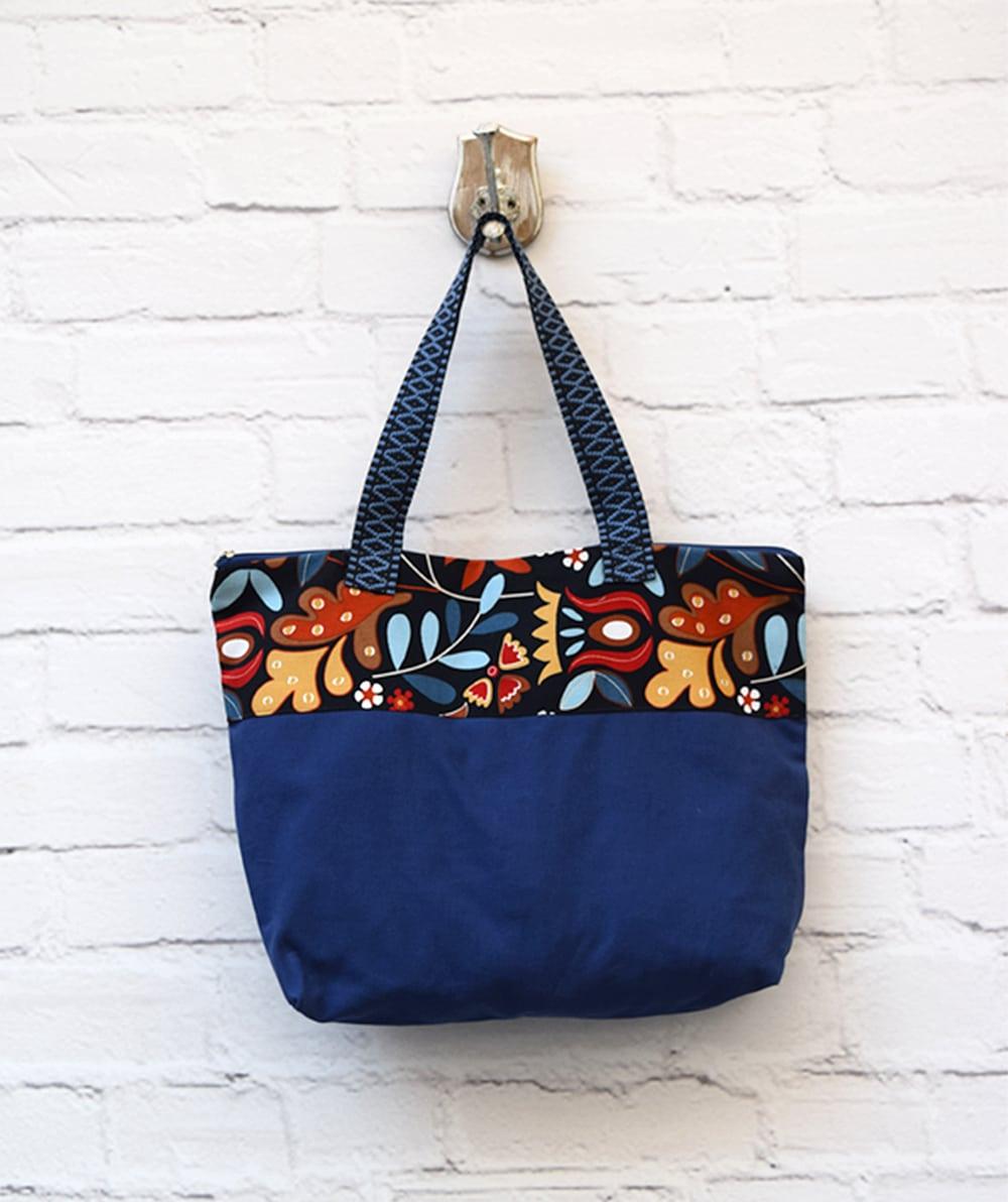 Τσάντα από ύφασμα - Μπλε με λουλούδια - ARTonomous    Style    Design 22ed67e4a7f