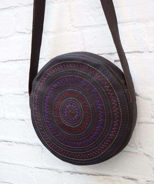 στρόγγυλη τσάντα κέντημα μοβ Artonomous 3