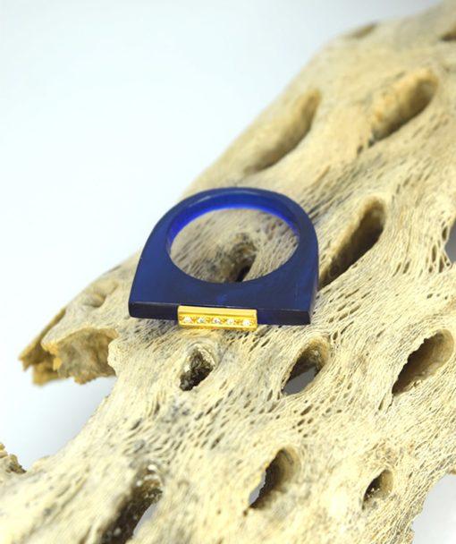 Δαχτυλίδι Plexiglass με επίχρυσο στοιχείο & ζιρκόν Μπλε 0025621a (3)