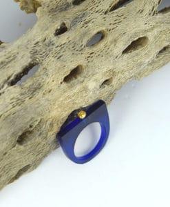 Δαχτυλίδι Plexiglass με επίχρυσο στοιχείο & ζιρκόν Μπλε 00256223a (1)