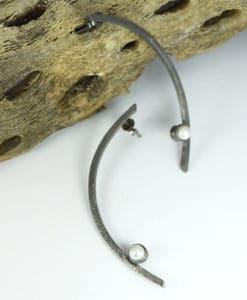 Σκουλαρίκια ασήμι με μαύρη οξείδωση & μαργαριτάρι 00256234a (1)