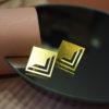 τετράγωνα σκουλαρίκια επίχρυσα Artonomous 2